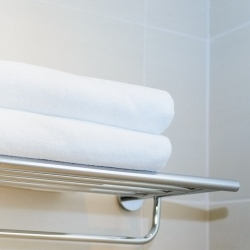 półka na reling, ręczniki, łazienka