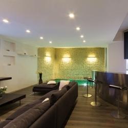 oświetlenie nowoczesnego salonu