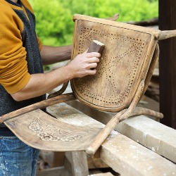 renwacja krzeseł