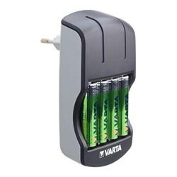 Ładowarka Varta Plug + 4 x AA 2100 mAh