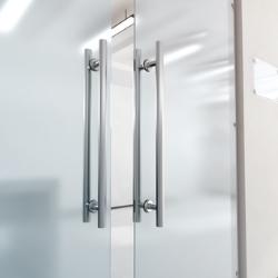automatycznie zamykające się drzwi
