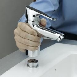 montowanie baterii do umywalki