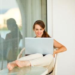 kobieta w biurze na tarasie