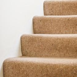 schody dywanowe antypoślizgowe