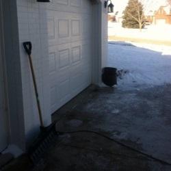 garaż zimą
