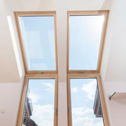 Jak obrócić okno dachowe